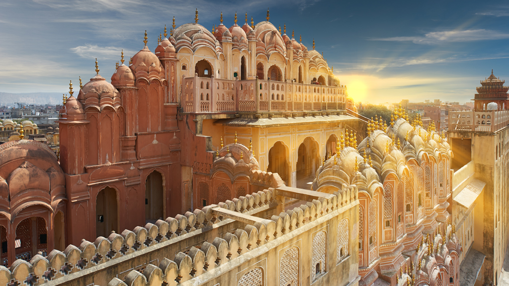 Lose yourself in the architectural brilliance of Hawa Mahal and City Palace