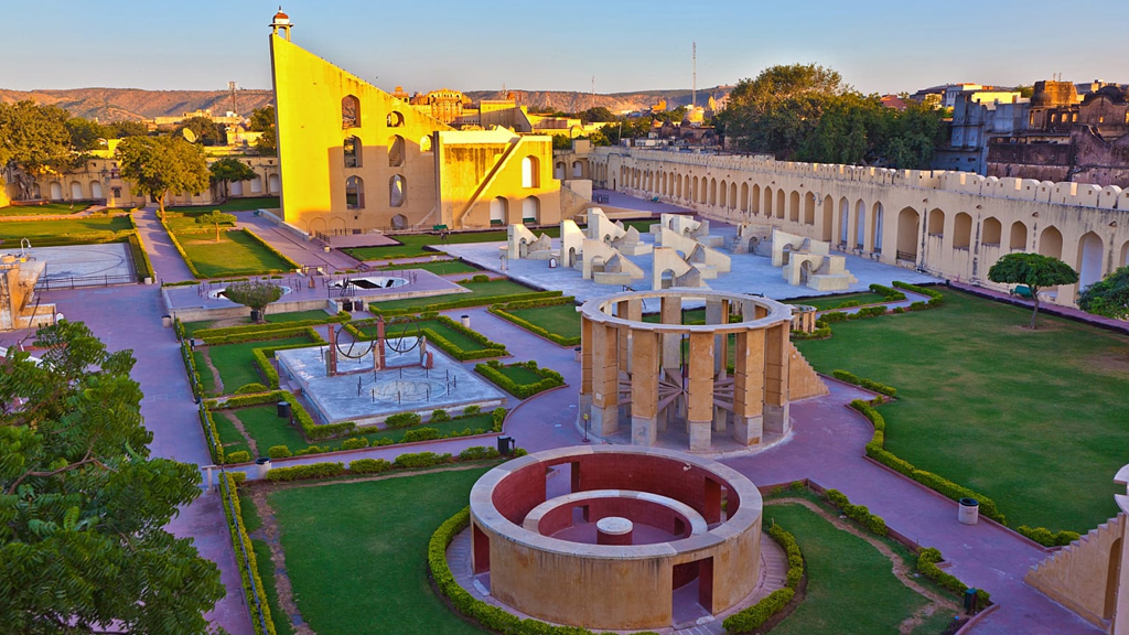 Explore the celestial delights at Jantar Mantar