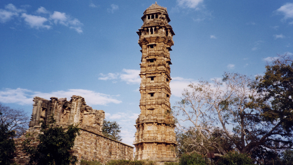 Become an explorer of Chittor Fort's Rajputana history